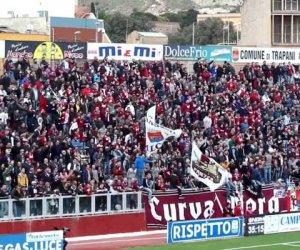 https://www.tp24.it/immagini_articoli/26-05-2019/1558852463-0-calcio-trapani-play-heller-carica-lacquisto-club.jpg