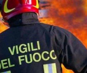 https://www.tp24.it/immagini_articoli/26-08-2019/1566803232-0-incendio-erice-vigili-fuoco-azione-vicino-funivia.jpg