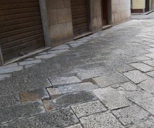 https://www.tp24.it/immagini_articoli/26-11-2019/1574759610-0-trapani-basole-divelte-semaforo-rotto-citta-pronta-ospitare-leuropeade-2021.jpg