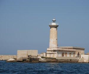 https://www.tp24.it/immagini_articoli/27-03-2021/1616863561-0-porto-di-marsala-la-regione-finanzia-la-progettazione.jpg