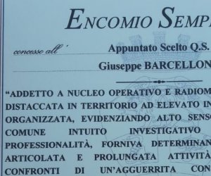 https://www.tp24.it/immagini_articoli/27-06-2019/1561666583-0-moglie-carabiniere-barcellona-ecco-perche-marito-talpa-boss.jpg