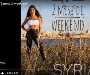 https://www.tp24.it/immagini_articoli/27-07-2020/1595870445-0-2-mesi-di-weekend-il-secondo-di-singolo-di-syria-messana-nbsp.jpg