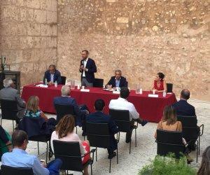 https://www.tp24.it/immagini_articoli/27-07-2021/1627396075-0-inaugurata-ad-alcamo-l-enoteca-regionale-della-sicilia-occidentale.jpg