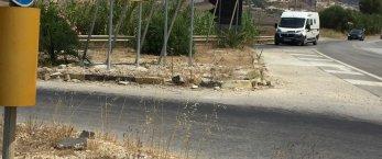 https://www.tp24.it/immagini_articoli/27-08-2019/1566908283-0-ancora-miracoli-sulle-strade-birgi-laltro-statale-custonaci.jpg