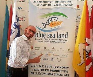 https://www.tp24.it/immagini_articoli/27-09-2017/1506515063-0-mazara-street-food-nino-ballerino-approda-blue-land.jpg