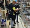 https://www.tp24.it/immagini_articoli/27-10-2020/1603796659-0-sicilia-nbsp-materiale-elettrico-non-sicuro-denunciato-dai-finanzieri-nbsp-il-titolare-nbsp-del-negozio.jpg