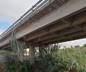 https://www.tp24.it/immagini_articoli/27-11-2019/1574843960-0-alcamo-sucameli-ponte-statale-pericoloso.jpg