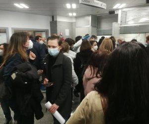 https://www.tp24.it/immagini_articoli/28-02-2021/1614497724-0-vaccini-a-marsala-ancora-confusione-e-proteste-in-ospedale-asp-e-comune-che-fanno.jpg