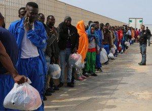 https://www.tp24.it/immagini_articoli/28-03-2016/1459175247-0-in-tre-mesi-fotosegnalati-all-hotspot-di-trapani-milo-2492-migranti.jpg
