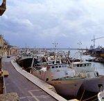 https://www.tp24.it/immagini_articoli/28-05-2018/1527500791-0-mazara-porto-canale-ditta-fantasma-balle.jpg