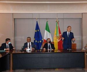 https://www.tp24.it/immagini_articoli/28-07-2021/1627481968-0-pesca-in-sicilia-il-sottosegretario-battistoni-iniziativa-oggi-a-mazara.jpg