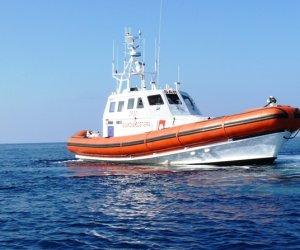 https://www.tp24.it/immagini_articoli/28-10-2019/1572260573-0-pescatore-perde-dito-salvato-guardia-costiera-pantelleria.jpg
