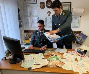 https://www.tp24.it/immagini_articoli/29-01-2020/1580283818-0-sicilia-prestano-soldi-tasso-annuo-arrestati-usura-padre-figlio.jpg