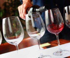 https://www.tp24.it/immagini_articoli/29-07-2018/1532850305-0-vino-sbloccati-fondi-milioni-promozione-paesi-terzi.jpg