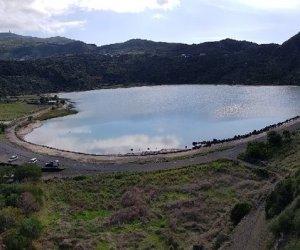 https://www.tp24.it/immagini_articoli/29-10-2020/1603991551-0-pantelleria-il-progetto-di-messa-in-sicurezza-del-costone-fallisce-nbsp-i-massi-arrivano-nbsp-in-strada.jpg