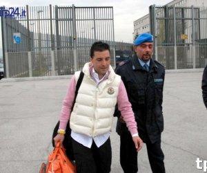 https://www.tp24.it/immagini_articoli/29-11-2017/1511935688-0-late-boss-salvatore-toto-riina-detained-year-secure-labor-unit.jpg