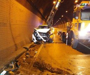 https://www.tp24.it/immagini_articoli/30-01-2019/1548853526-0-incidente-scorrimento-veloce-frontale-furgone-unauto-persone-ferite.jpg
