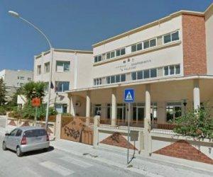 https://www.tp24.it/immagini_articoli/30-01-2020/1580375657-0-trapani-ennesimo-raid-vandalico-scuola-falcone.jpg