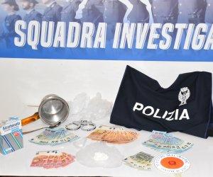 https://www.tp24.it/immagini_articoli/30-01-2021/1612011683-0-cocaina-nel-retrobottega-del-negozio-arrestato-un-pusher-a-mazara.jpg