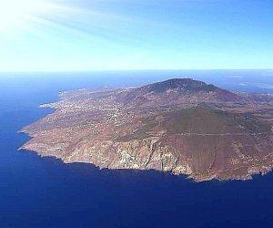 https://www.tp24.it/immagini_articoli/30-03-2021/1617102840-0-pantelleria-100-migranti-arrivati-in-pochi-giorni-uno-in-ipotermia.jpg