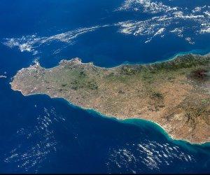 https://www.tp24.it/immagini_articoli/30-04-2021/1619760960-0-sicilia-come-sogno-una-poesia-di-marcello-ritondo.jpg