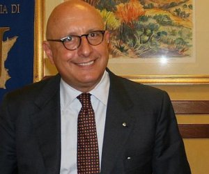 https://www.tp24.it/immagini_articoli/30-05-2020/1590862756-0-sicilia-diventa-operativa-la-convenzione-tra-irfis-ircac-e-crias.jpg