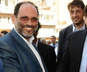 https://www.tp24.it/immagini_articoli/30-06-2018/1530362111-0-assunzioni-sicilia-eservizi-cassazione-annulla-condanna-crocetta-ingroia.jpg