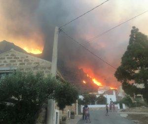 https://www.tp24.it/immagini_articoli/30-08-2020/1598770166-0-la-sicilia-brucia-notte-d-inferno-in-provincia-di-palermo-fiamme-a-valderice-custonaci-san-vito-nbsp.jpg