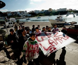 https://www.tp24.it/immagini_articoli/30-10-2013/1383151847-0-ars-corsia-privilegiata-per-il-disegno-di-legge-del-pd-sull-immigrazione.jpg