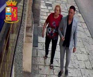 https://www.tp24.it/immagini_articoli/30-10-2019/1572433477-0-sicilia-madre-figlio-ladri-gioielli-video.jpg