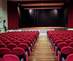 https://www.tp24.it/immagini_articoli/30-10-2020/1604015302-0-dpcm-nbsp-cala-il-sipario-nbsp-anche-nel-trapanese-chiusura-ingiusta-dei-teatri-artisti-non-tutelati.jpg