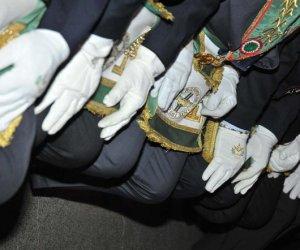 https://www.tp24.it/immagini_articoli/30-11-2018/1543597466-0-entro-domani-politici-siciliani-devono-dichiarare-sono-massoni.jpg