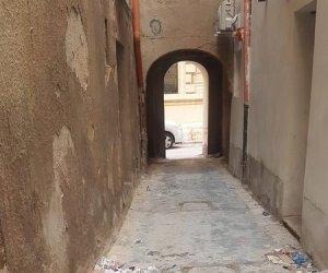https://www.tp24.it/immagini_articoli/30-11-2019/1575122343-0-trapani-protesta-cittadini-centro-storico-costretti-vivere-liquami.jpg