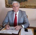 https://www.tp24.it/immagini_articoli/30-12-2018/1546164147-0-trapani-commissario-giovanni-bavetta-pensione.jpg