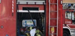 https://www.tp24.it/immagini_articoli/31-03-2019/1554016273-0-milano-corpo-decapitato-carbonizzato-trovato-vicino-cassonetto-fiamme.jpg