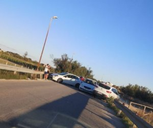 https://www.tp24.it/immagini_articoli/31-05-2020/1590949254-0-marsala-scontro-tra-due-auto-al-lungomare-mediterraneo.jpg