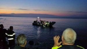 https://www.tp24.it/immagini_articoli/31-10-2019/1572515624-0-miracolo-sciacca-giovane-cade-metri-salva-recuperato-mare.jpg