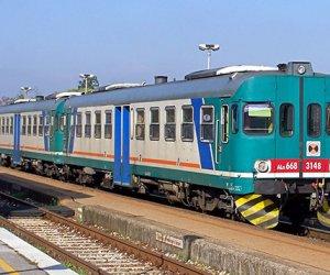 https://www.tp24.it/immagini_articoli/31-12-2017/1514716647-0-treni-sicilia-2018-costera-viaggiare-rete-regionale.jpg