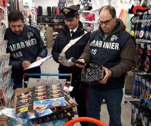 https://www.tp24.it/immagini_articoli/31-12-2019/1577783242-0-carabinieri-sequestrano-mille-botti-capodanno-cinesi-castelvetrano.jpg